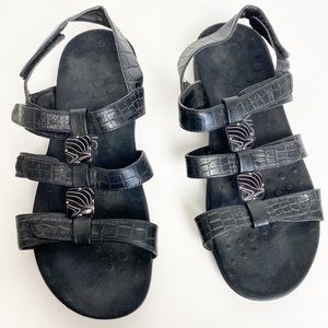 Vionic Amber Black Leather Strap Croco Sandals 9